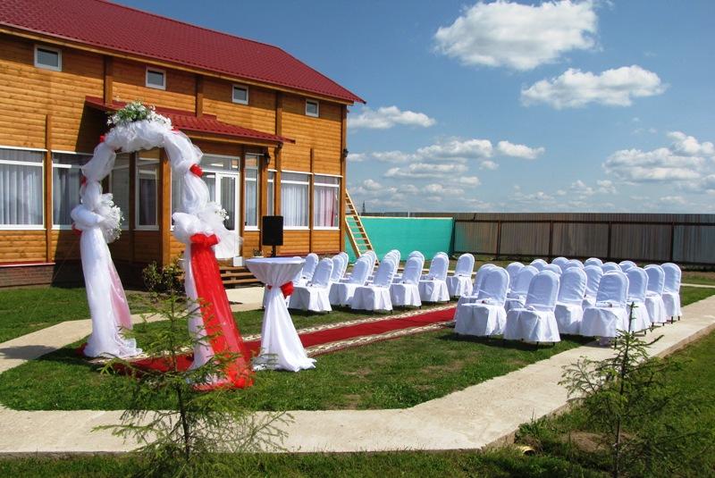 Проведение свадьбы за городом – праздник, который запомнится навсегда